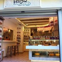 Photo taken at Fresko Yogurt Bar by Mano D. on 7/1/2012