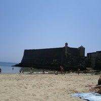 Foto tirada no(a) Praia da Torre por Rodrigo C. em 7/25/2012