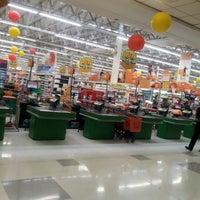 Foto tirada no(a) Sonda Supermercados por Thais S. em 8/26/2012