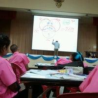 Photo taken at หอประชุมโรงเรียนฤทธิยะวรรณาลัย 2 by guschy g. on 9/6/2012