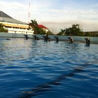 Photo taken at สระว่ายน้ำ -Rmutt by Rattanai C. on 8/21/2012