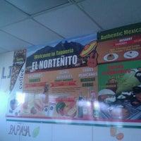 รูปภาพถ่ายที่ Taqueria El Nortenito โดย Damon J. เมื่อ 5/19/2012