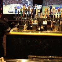 Foto tomada en Buffalo Wild Wings por Cathy V. el 2/18/2012