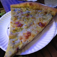 Photo taken at Artichoke Basille's Pizza & Brewery by Marcelle on 6/13/2012