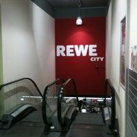 Das Foto wurde bei REWE CITY von Sven G. am 5/18/2012 aufgenommen