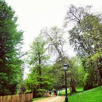 Photo taken at Parc Léopoldpark by Eva Patrícia on 5/8/2012