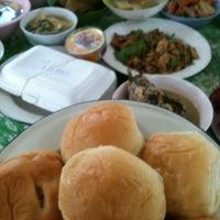 Photo taken at วัดศาลาลอย by Thongchai Y. on 9/1/2012