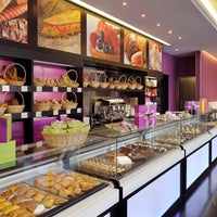 Photo taken at Pascal Tepper French Bakery - Meilleur Ouvrier de France by Siegfried N. on 4/6/2012