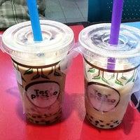Photo taken at Teapresso by Sylvia L. on 4/29/2012