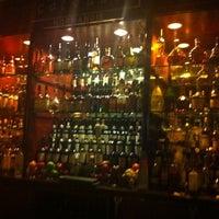 Foto scattata a Barclay Bar & Grill da Ernesto L. il 3/31/2012