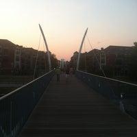 8/9/2012 tarihinde Wendy G.ziyaretçi tarafından Millenium Bridge'de çekilen fotoğraf