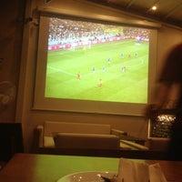 9/11/2012 tarihinde Özkan C.ziyaretçi tarafından Cafe 12'de çekilen fotoğraf