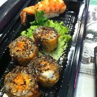 Foto tirada no(a) Fujisan Sushi por Fabrizzia D. em 7/3/2012
