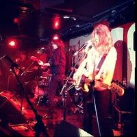 Photo prise au 100 Club par jamie le4/4/2012