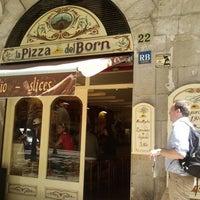 Foto tomada en La Pizza del Born por Ade C. el 5/2/2012