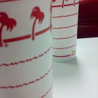 Photo taken at In-N-Out Burger by MAN on 2/26/2012
