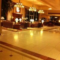 Foto tirada no(a) Hilton Seattle Airport & Conference Center por Jason Z. em 7/8/2012
