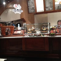 Photo prise au Corner Bakery Cafe par James V. le3/20/2012