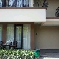 Photo taken at Grage Sangkan Hotel & Spa by Angga K. on 7/16/2012