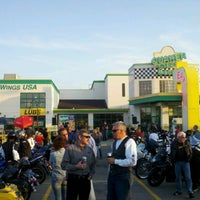 Photo taken at Quaker Steak & Lube® by Julie W. on 6/1/2012