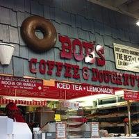 Photo taken at Bob's Coffee & Doughnuts by Yian on 5/22/2012