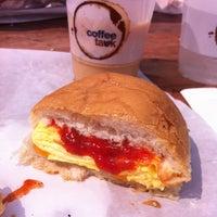 Снимок сделан в Montauk Bake Shoppe пользователем Allison E. 6/22/2012