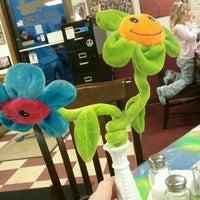 Das Foto wurde bei Tie Dye Grill von Len C. am 3/6/2012 aufgenommen