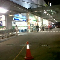 Photo taken at Giant Hypermarket by Valentinus A. on 7/28/2012
