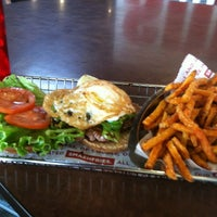 Photo taken at Smashburger by Lauren M. on 8/15/2012