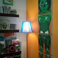 Foto tomada en Vértigo Galería por Shelo C. el 2/5/2012