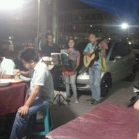 Photo taken at Sup Pak Kumis by Rudi 'Arjei' Jasper S. on 5/9/2012