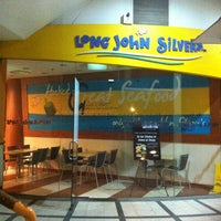 Photo taken at Long John Silver's by Nora S. on 4/25/2012