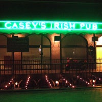 Foto tomada en Casey's Irish Pub  por Party Earth el 4/4/2012