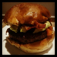 6/21/2012にGrishaがBurger Republicで撮った写真