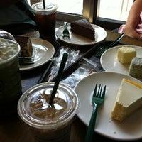 Photo taken at Starbucks (星巴克) by Cabin L. on 8/17/2012