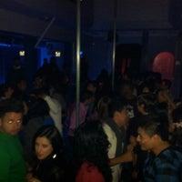 Photo taken at Gabbia Live Disco by Edisson R. on 8/5/2012