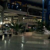 Foto diambil di Grantley Adams International Airport (BGI) oleh Felicia J. pada 8/14/2012