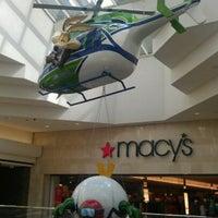 4/7/2012 tarihinde 🎀ziyaretçi tarafından Cherry Creek Shopping Center'de çekilen fotoğraf