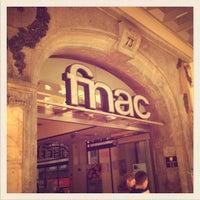 Foto tirada no(a) Fnac por Hugo F. em 2/24/2012
