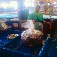 Photo taken at Pasar Pulau Payung by Arifi G. on 9/7/2012