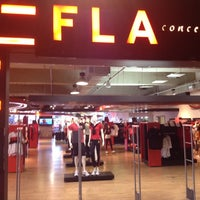 Foto tirada no(a) Fla Boutique por Pedro Victor F. em 7/7/2012