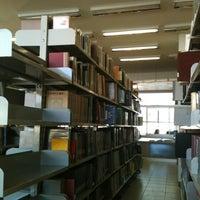 Foto tomada en Biblioteca Central UCN por Axl V. el 6/20/2012