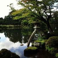 Photo taken at Kenrokuen Garden by Yuki C. on 7/8/2012