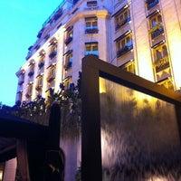 Photo prise au Hôtel Four Seasons George V par Anastasia le7/21/2012