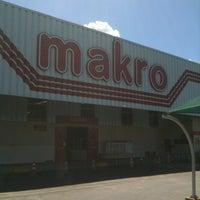 Photo taken at Makro by Fabricio on 8/19/2012
