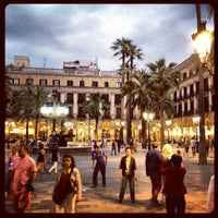 Foto tomada en Plaza Real por Alexandre U. el 6/4/2012