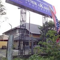 Photo taken at STMIK AKAKOM Yogyakarta by Eshape B. on 5/13/2012