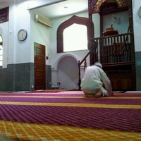 Photo taken at Masjid Al-Mukminun by Termizi S. on 8/19/2012