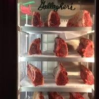Foto scattata a Gallagher's Steakhouse da Nancy S. il 6/16/2012