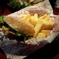 Photo taken at Red Robin Gourmet Burgers by Craig J. on 4/25/2012